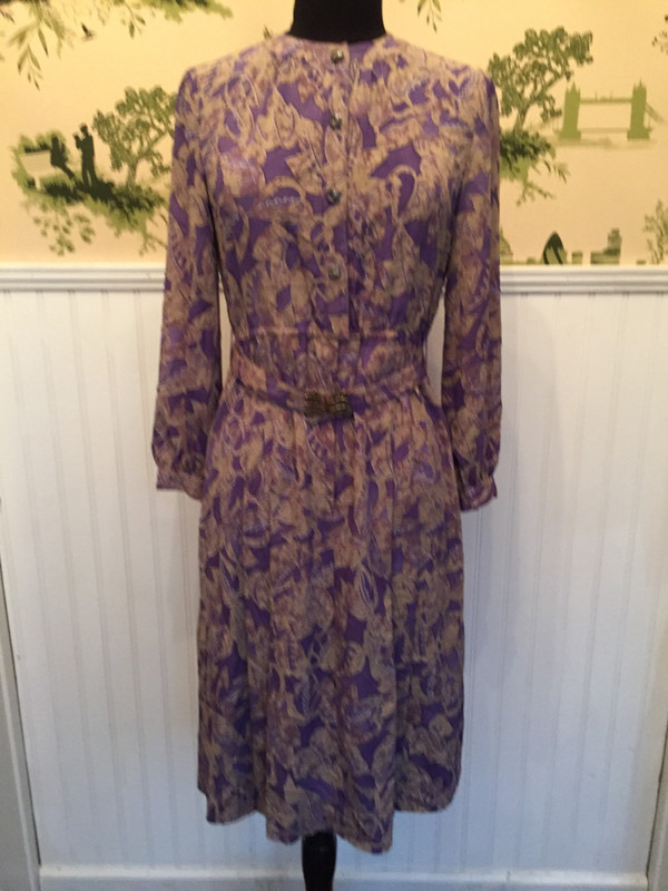 70s Japanese vintage lillac dress in size small with vintage pattern