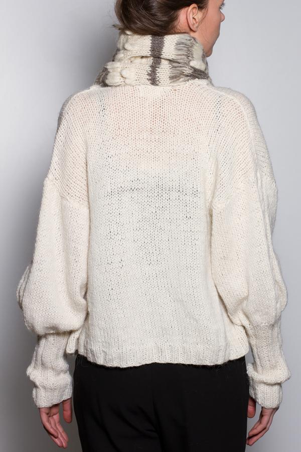 Voz Ko Sweater