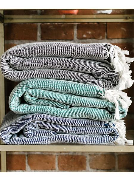 Maya Mueble Manta Blanket
