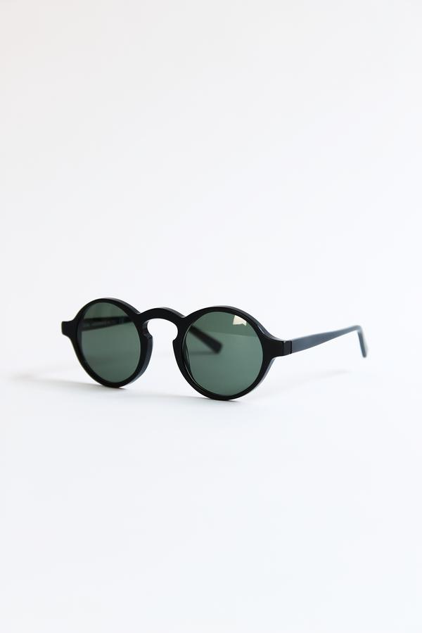 DUSEN DUSEN oval sunglasses matte black
