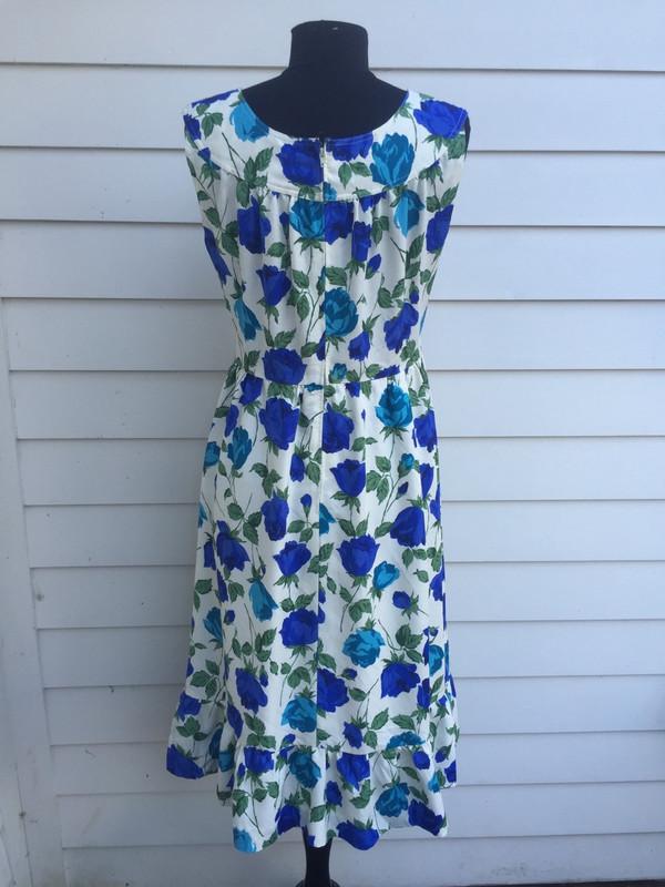 Floral 80's sleevless flower girl dress size medium ftom Japan
