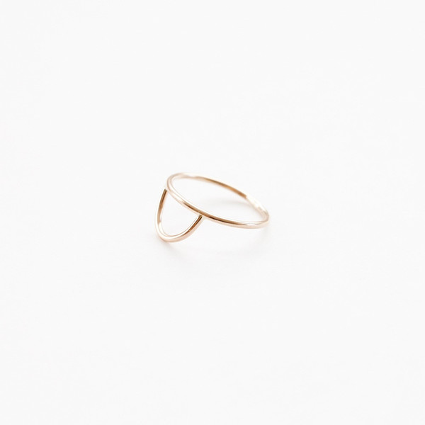 Another Feather Curve Ring