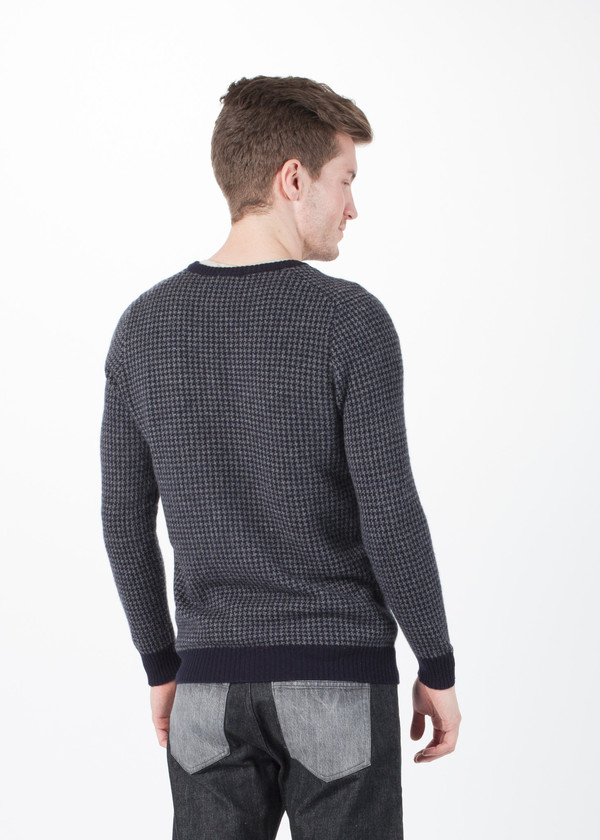 Men's Avant Toi Houndstooth V-Neck Sweater