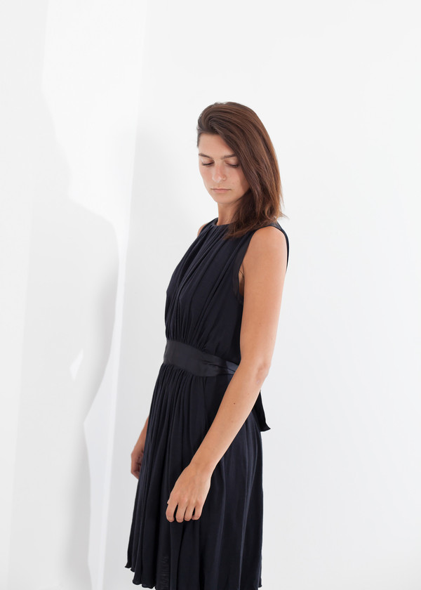 Hache Sleeveless Pleated Dress