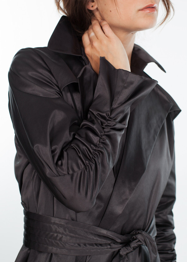 Amelia Toro Trench Coat in Black