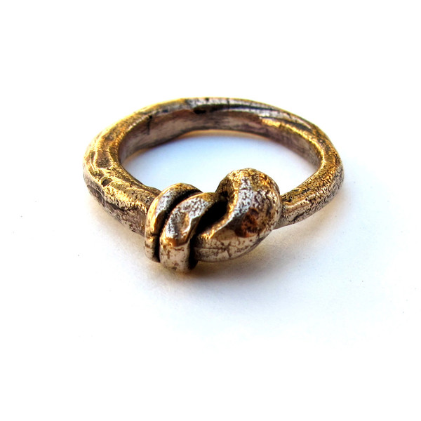 Large Knotted Ring