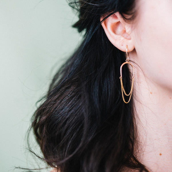 Favor Niche Earrings