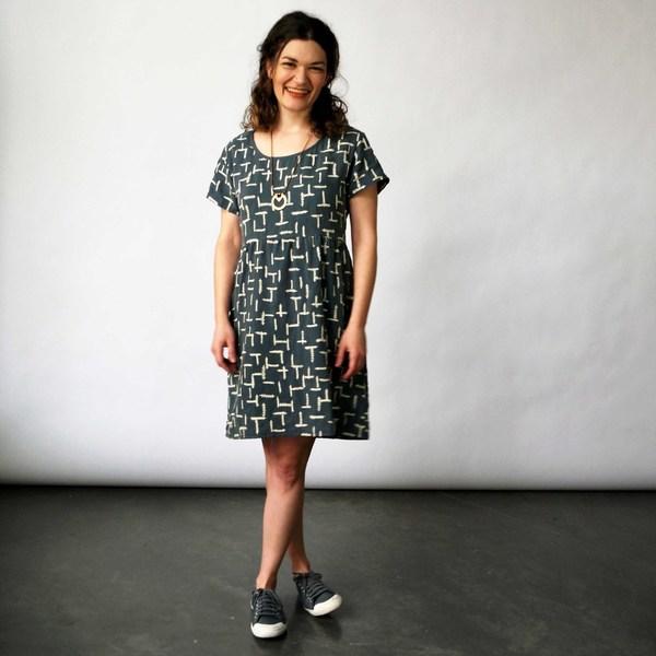 Make It Good- Gathered Tee Dress in Marine Summer Fern