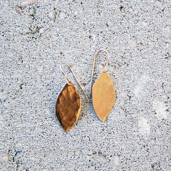 Christine Fail small shale earrings - bronze