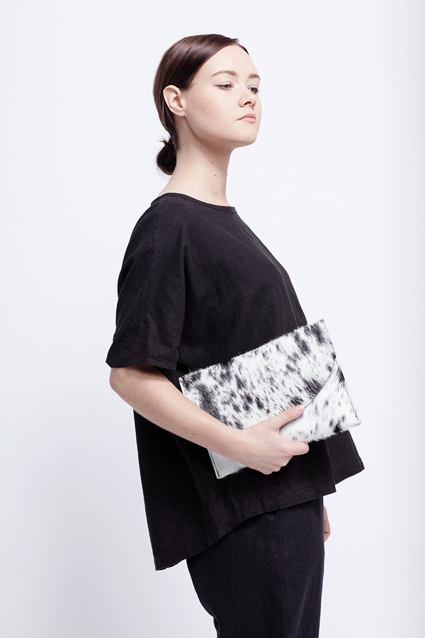 Primecut BLACK + WHITE ENVELOPE CLUTCH