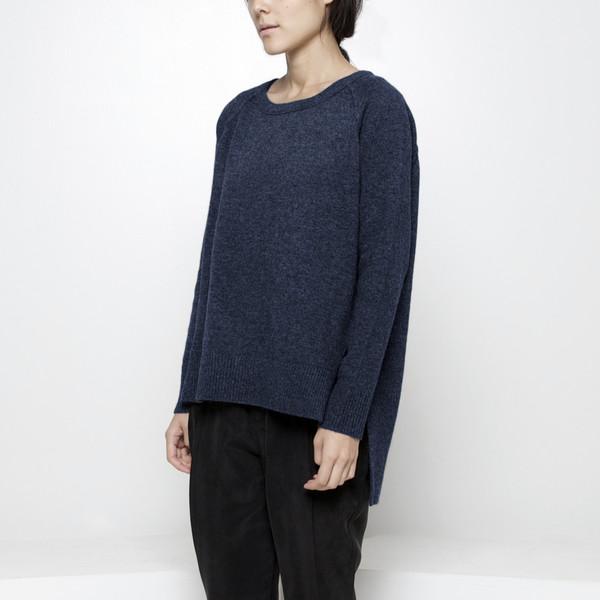 7115 by Szeki Exposed Seam Sweater FW15 - Navy