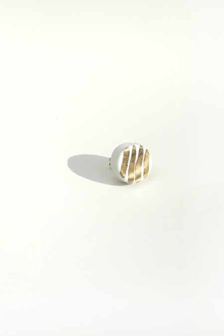 Jujumade 14K gold striped circle earring