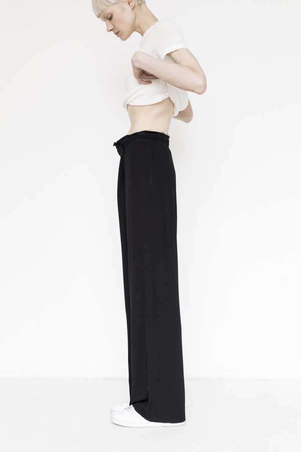Assembly  Crepe Simple Pant