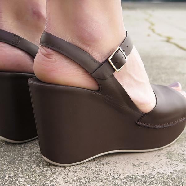 roberto del carlo wedge sandal