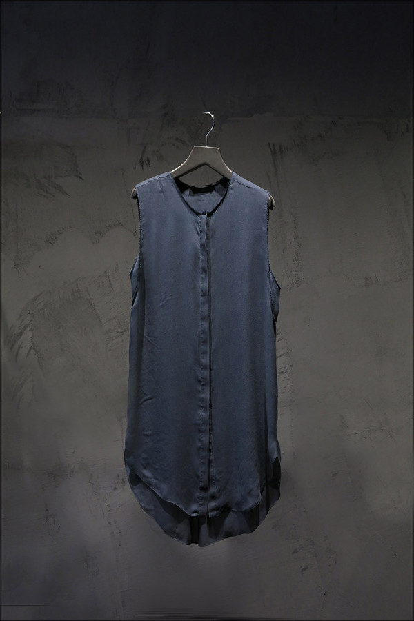 KES Twill Sleeveless  Button Up