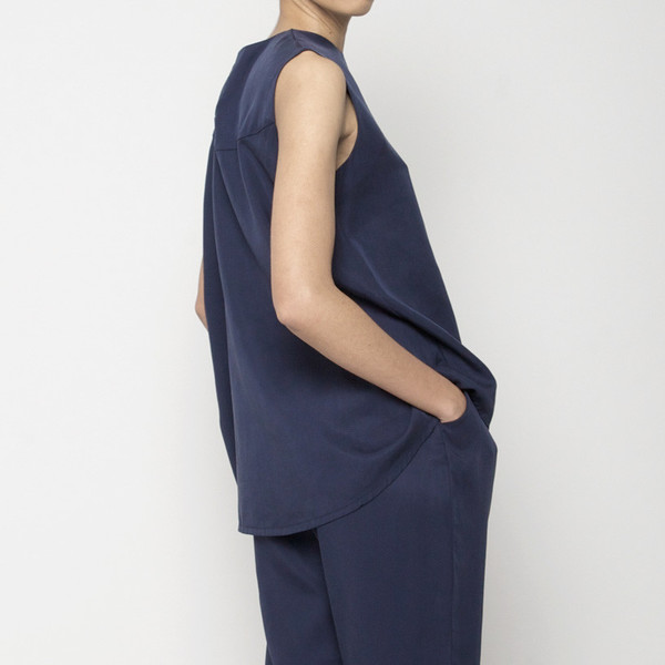 7115 by Szeki Sleeveless Tent Top - Navy SS16