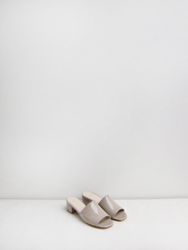 Maryam Nassir Zadeh Sophie Slide, Cement