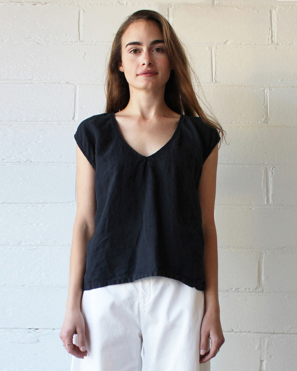 esby EVIE OVERSIZED TOP - ALMOST BLACK