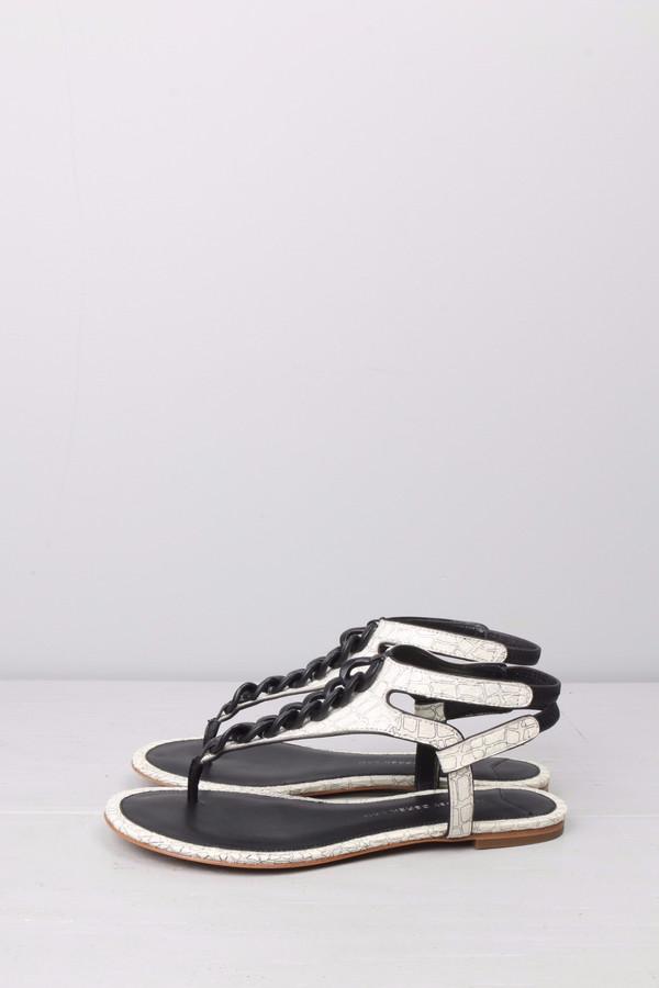 10 Crosby Damast Sandal