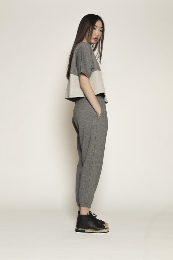 MARY MEYER Warm Up Pants in Dark Grey