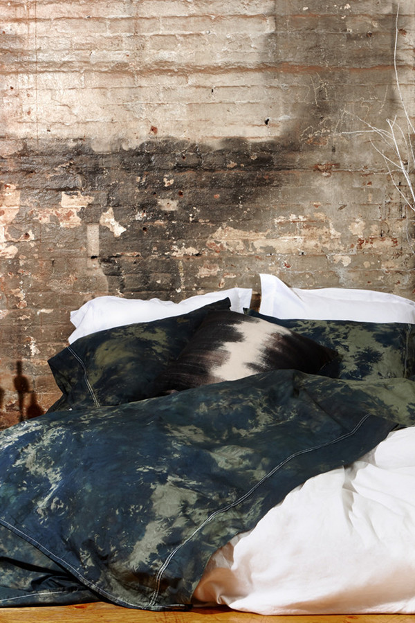 Saint Atma Wallace Bedding