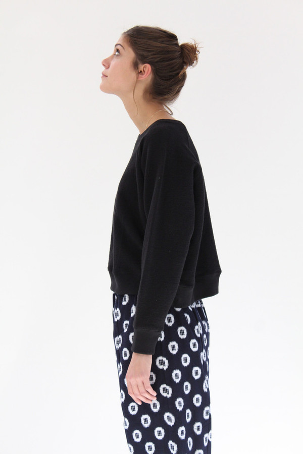 Crazy Wind Minami Hobnail Sweater Top Black