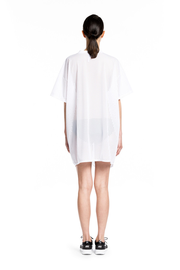 BETH RICHARDS Mesh Knot Dress - White <div>MESH SHORT SLEEVE COVER UP DRESS WITH ENGINEERED FRONT KNOT
