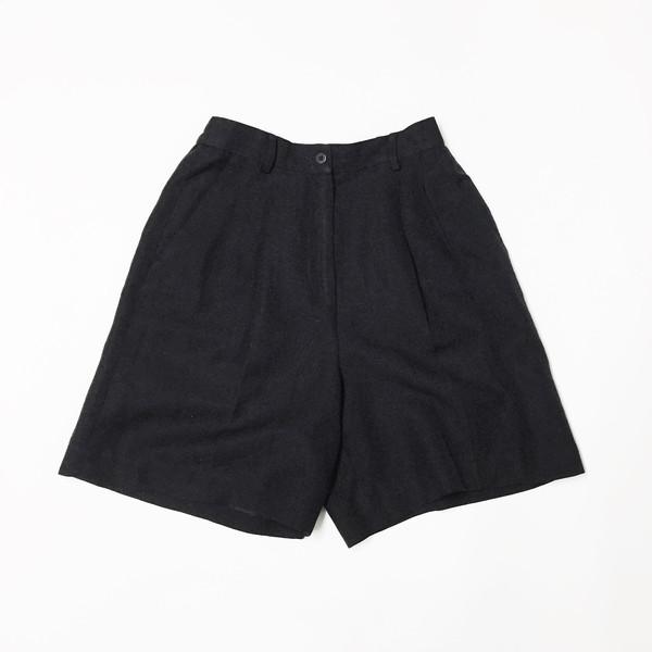 Johan Vintage Black Linen Shorts