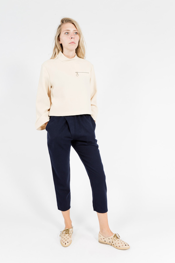 Nomia Cropped Long Sleeve Mockneck