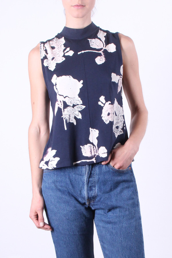 Calder Blake Eliot Tank in Navy Flower Print