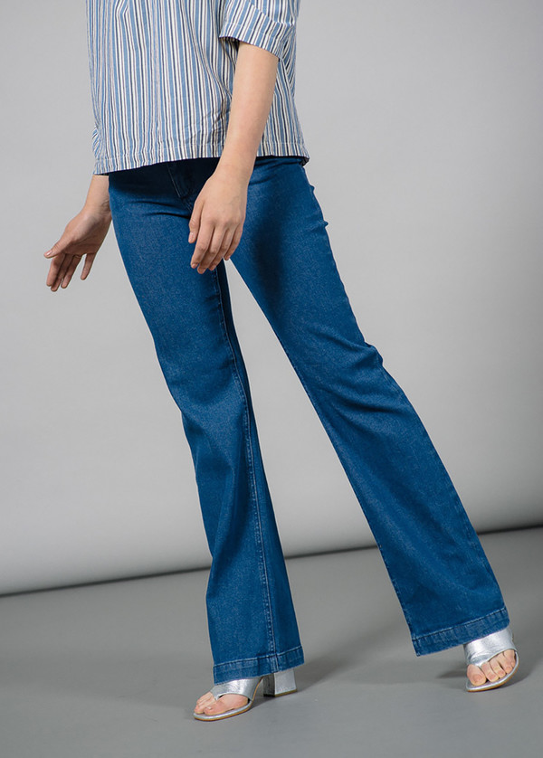 Whyred Marja Mid Blue Flare Denim Pant