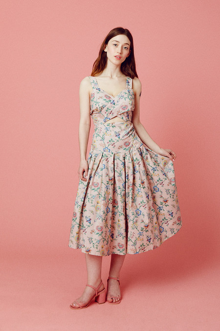 Samantha Pleet Curtain Dress - Pink Wallpaper
