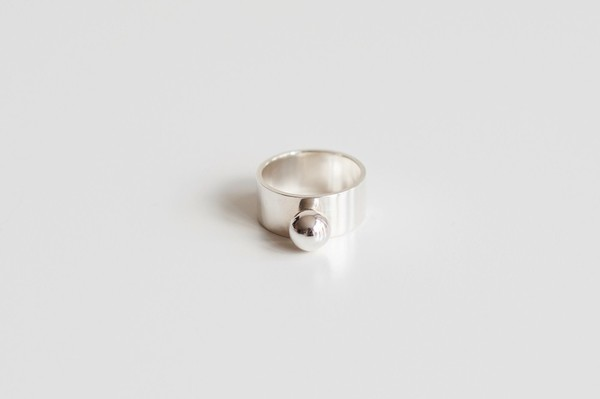 Muraco Wolfe Pea Ring