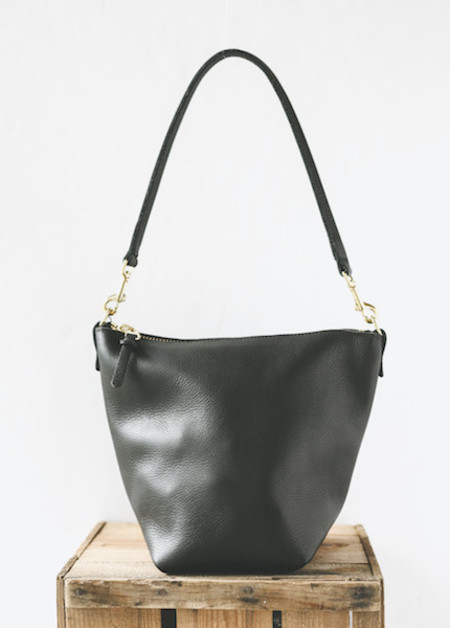 Wood & Faulk - Leather Field Bag in Black Slouch