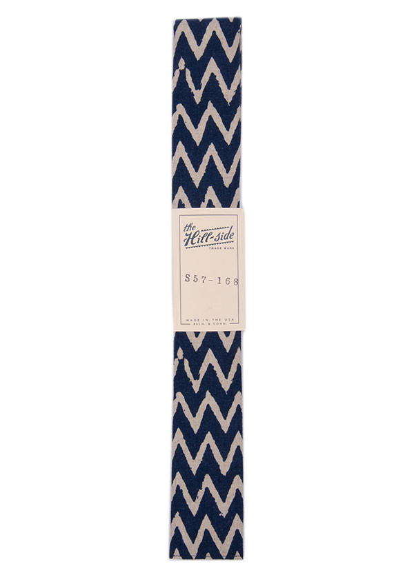 The Hill-Side - Cotton / Linen Zig Zag Print Tie, Navy