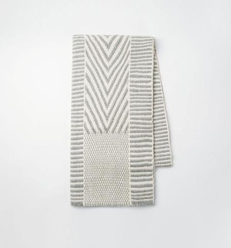 VOZ Chevron Scarf Ivory/Gray