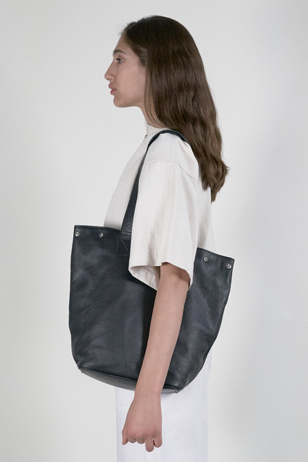 Clyde Belve Snap Tote - Black Leather
