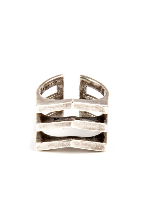 TomTom Jewelry - The Chevron Mini Ring in Oxidized Silver