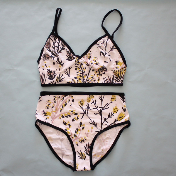 Thief and Bandit Thistle Set - White