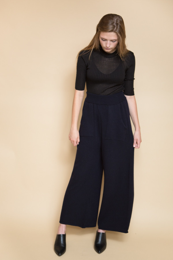 Achro Wide Leg Knit Pants / Navy