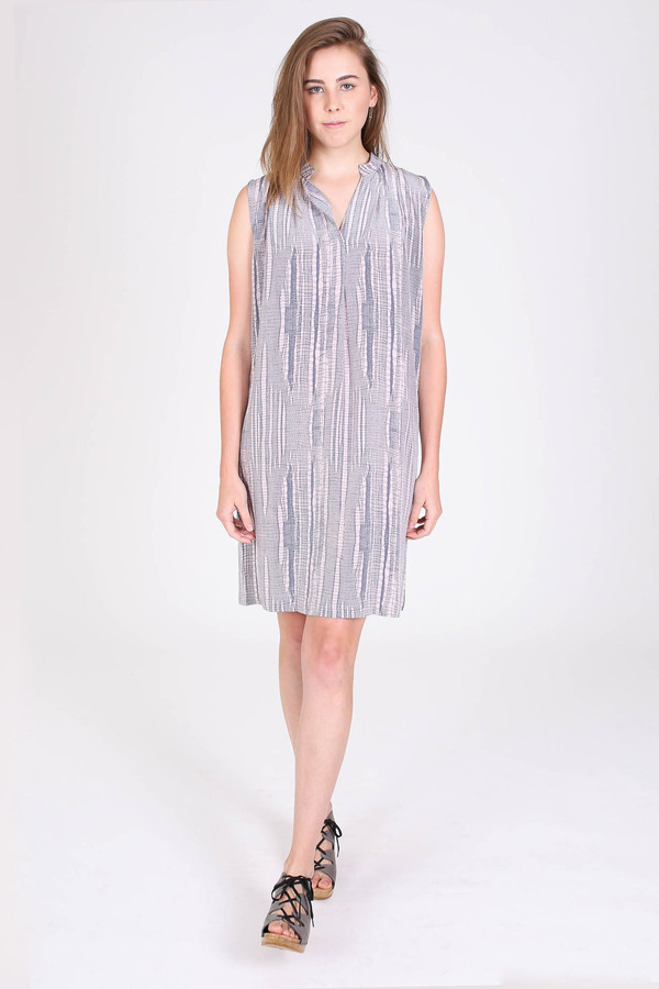 The Podolls Pleatneck dress in Asawa print