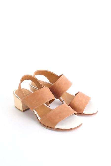 Coclico Tares sandal in Natural/Sahara
