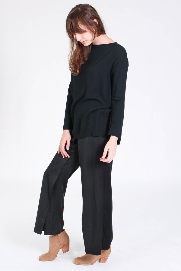 Black Crane Long slit top in black