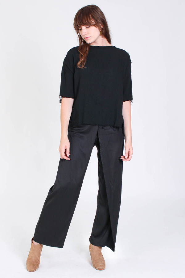 Black Crane Square top in black