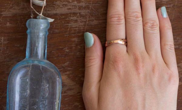 Isla Loves Rick Interlock Ring (Rose Gold)