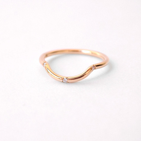 Mociun Mini Curved Band with Three White Diamonds