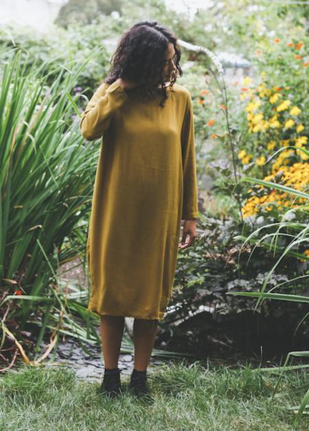 Black Crane - Slim Dress in Gold Brown