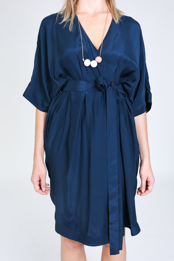 Vincetta Knee Length Kimono Dress in navy