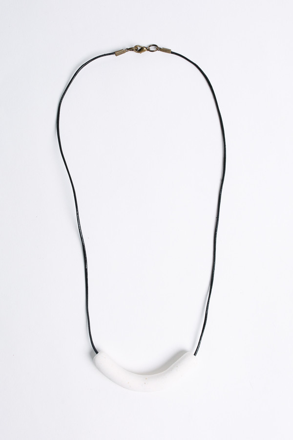 Pepper Train The Sunday Necklace in white