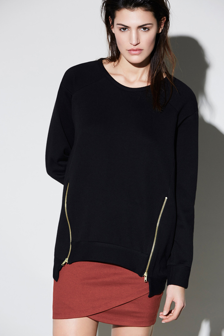 Eve Gravel 'Black hole' top